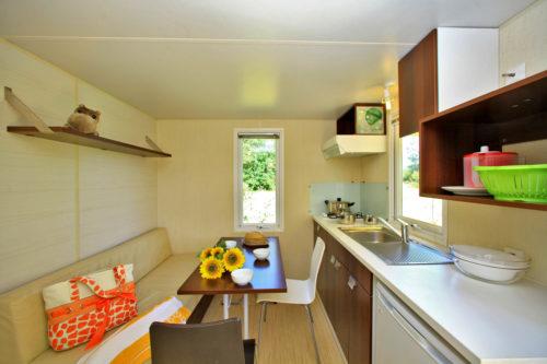 Mobil home O'hara, salon et cuisine.