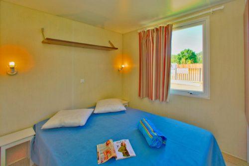 Mobil home O'hara, chambre avec lit double.